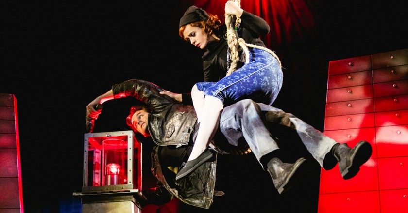 The Comedy About A Bank Robbery at Criterion Theatre | ©Darren Bell