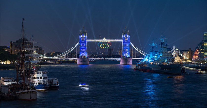 Tower Bridge Olympic Lighting, London - July 2012 | © Diliff / Wikimedia Commons