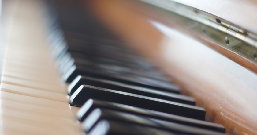 Piano keyboard   © darrenleno/Flickr