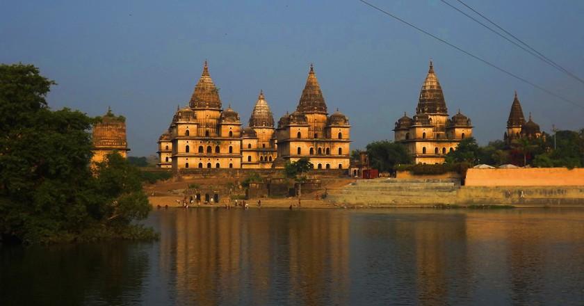 Orchha Temple on the banks of river Betwa | © Anshul Kumar Akhoury