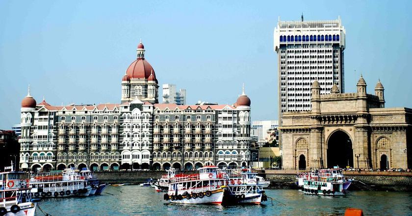 The Gateway of India and Taj, Mumbai | © Gsnair88/WikiCommons