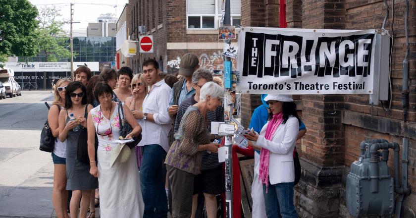 Fringe | © Jona Stuart / WikiCommons