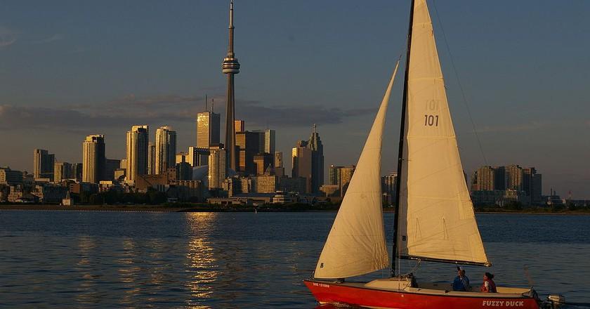 Toronto Skyline Sailboat |  © Mkooiman/WikiCommons
