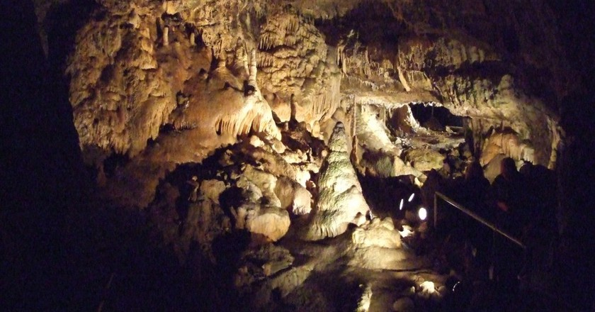 The Hotton Caves have been nicknamed the 'Arabian Night Caves' due to their magical qualities | © Wiki-uk/WikiCommons