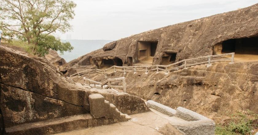 The History Of The Kanheri Caves, Mumbai In 1 Minute