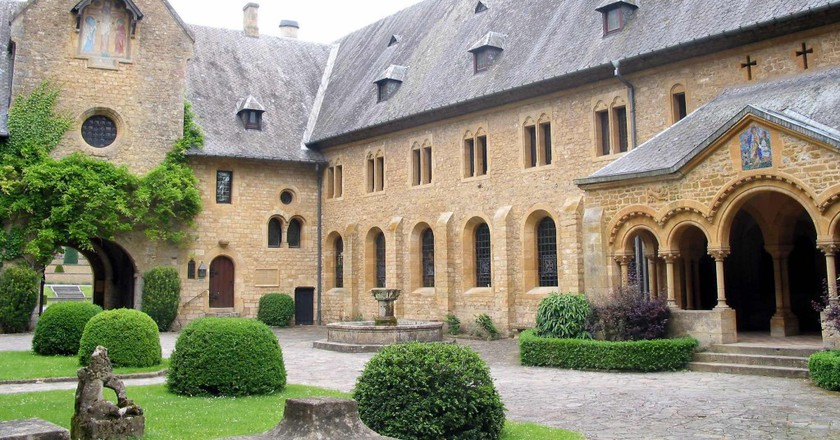 The Orval Abbey, one of the six Trappist monasteries brewing beer in Belgium | © Jean-Pol Grandmont/Wikimedia Commons