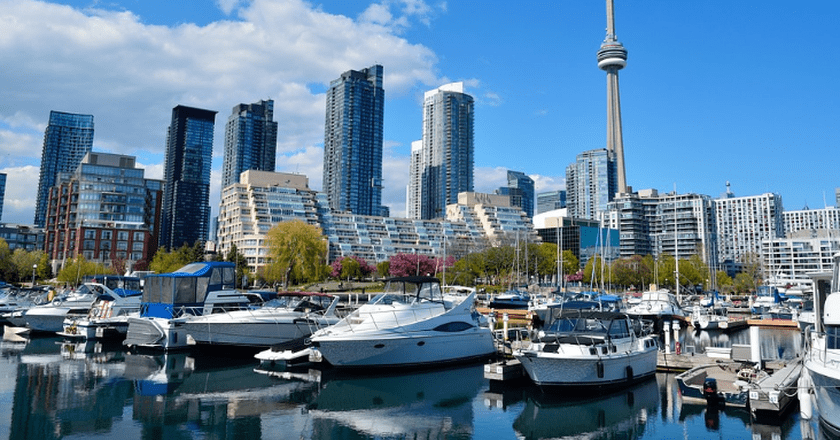 Top 10 Luxury Hotels In Toronto