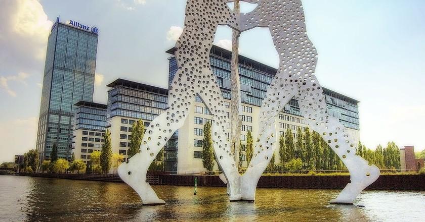 Molecule Man   ©  Wolfgang Staudt/WikiCommons