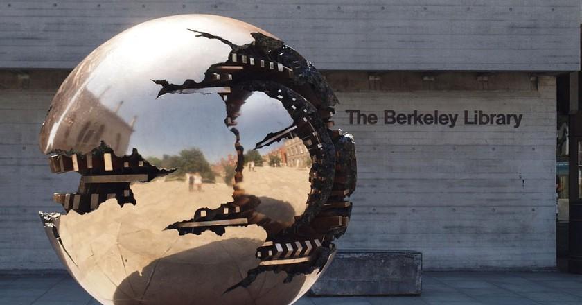 The Berkeley Library, Trinity College Dublin | © Smirkybec/WikiCommons