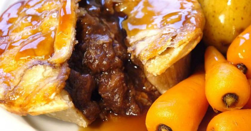 Steak pie   © WikiCommons