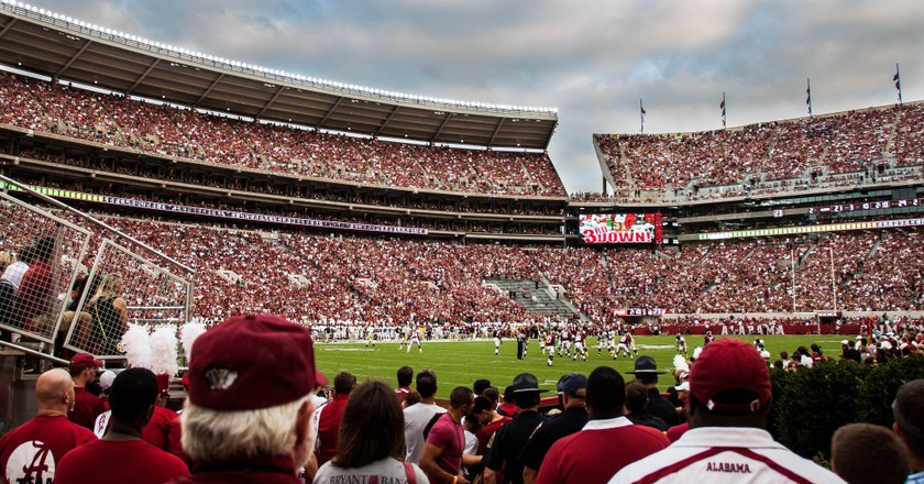 University of Alabama fans at Bryant-Denny Stadium | © Flickr/Tuan Brown