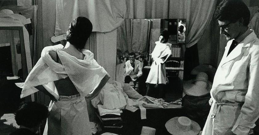 Yves Saint Laurent in the studio in 1962 © Victor Soto