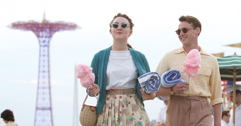 Saoirse Ronan and Emory Cohen in 'Brooklyn.' (© Fox Searchlight Pictures)