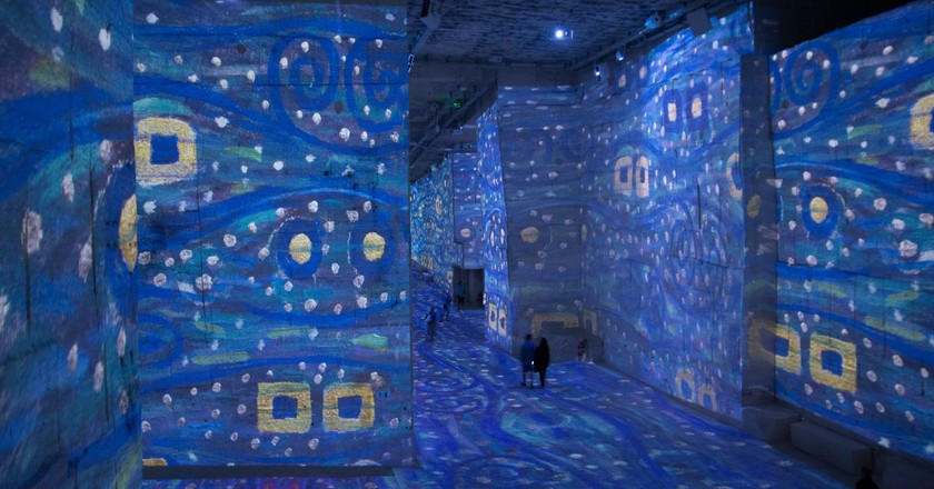 Exhibition at the Carrières de Lumières, Les Baux de Provence│ © CharlesEi1
