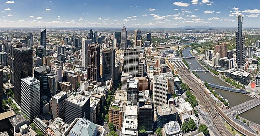 https://commons.wikimedia.org/wiki/File:Melbourne_Skyline_from_Rialto_Crop_-_Nov_2008.jpg