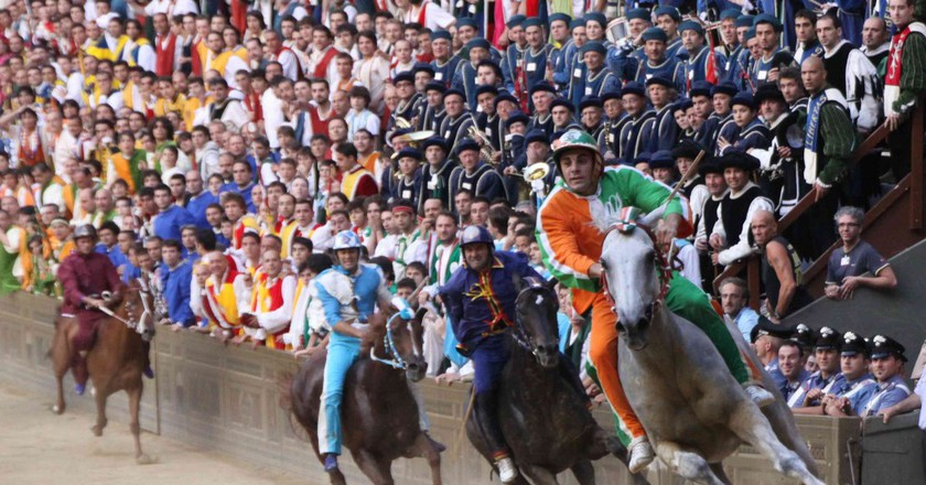 Riders in the second Palio of 2010 © it.wikipedia.org