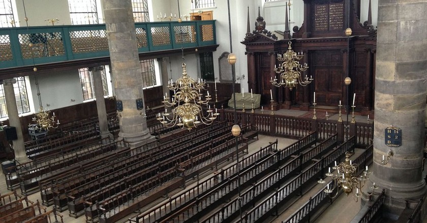 Inside the Portuguese Synagogue, Amsterdam   © Chajm Guski / WikiCommons