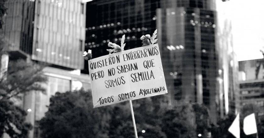 Todos somos Ayotzinapa (We're all Ayotzinapa)   © jazbeck/Flickr