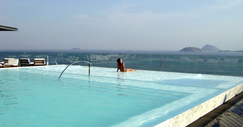Hotel Fasano pool |© lrenom/Flickr