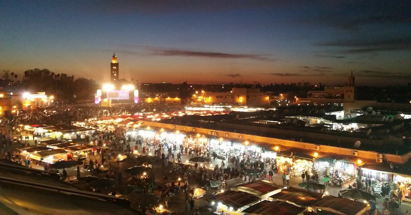 Dining in Jemaa el Fna © Mandy Sinclair