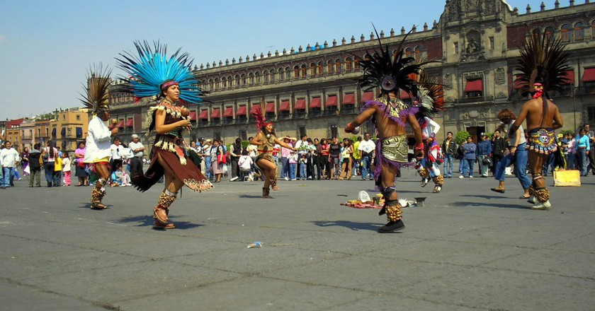 Dancing at the zócalo   © Gustavo M/Flickr