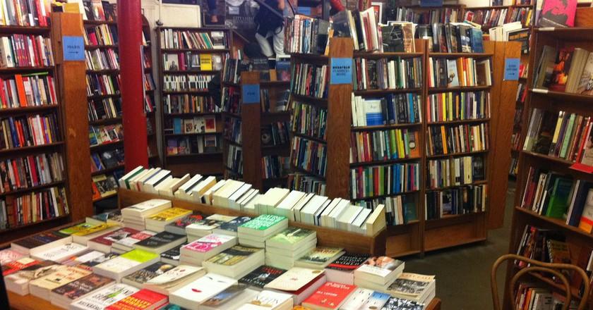 City Lights Bookstore © Luis Villa del Campo/Flickr