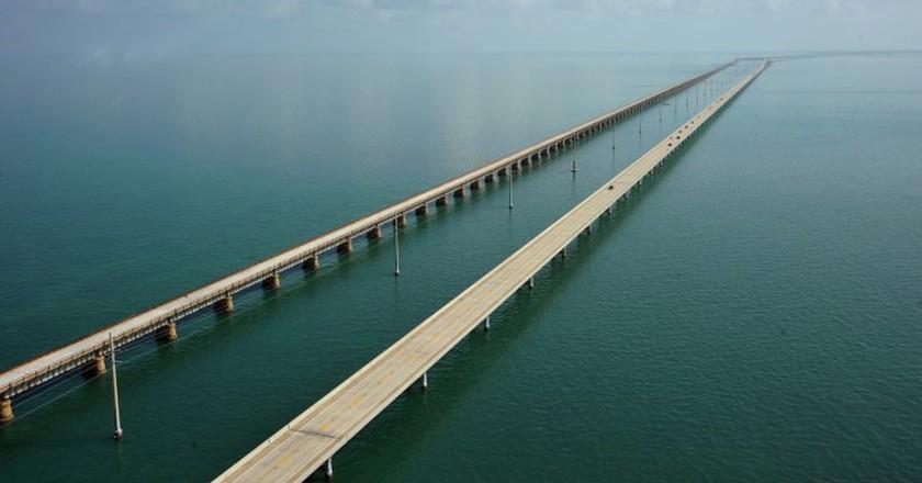 The Seven Mile Bridge looking north towards Marathon, Florida | © Sathish S/Flickr