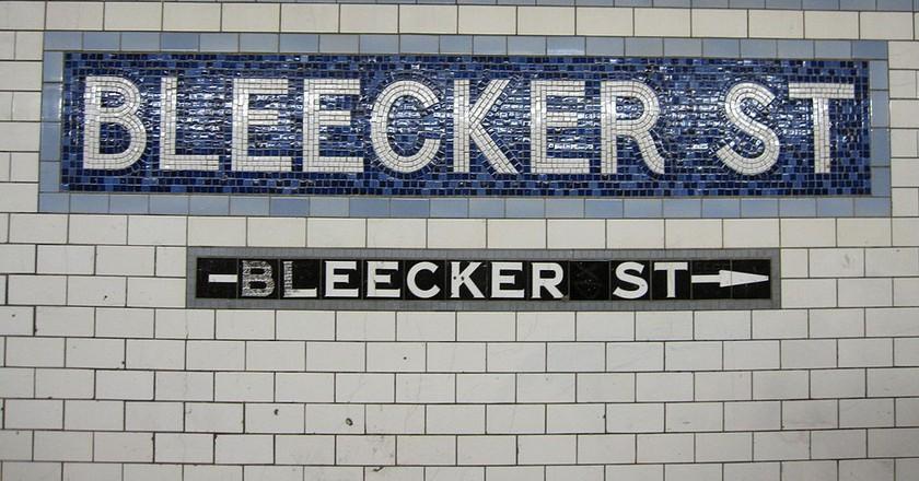 https://commons.wikimedia.org/wiki/File:Bleecker_Street_IRT_004.jpg