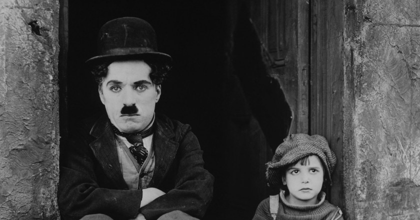 Charlie Chaplin and Jackie Coogan in 'The Kid' Wikicommons