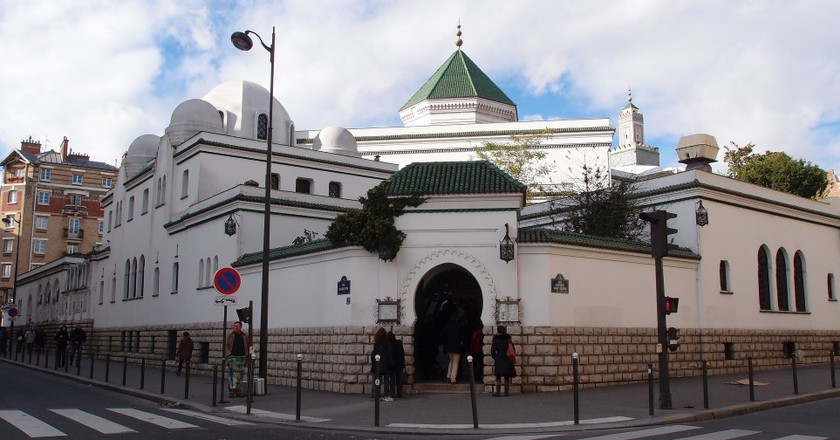 Entrance to social side of the Grande Mosquée de Paris │© Guilhem Vellut/Flickr
