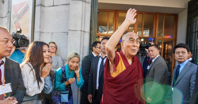 The Dalai Lama arrives at Brussels' cultural temple Bozar | © Olivier Adam - Mind & Life Europe