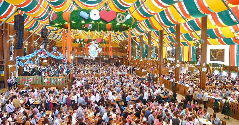5 Famous Oktoberfest Songs You Should Know