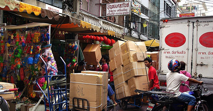 Street chaos. Bangkok. Courtesy of Bernard Spragg. NZ