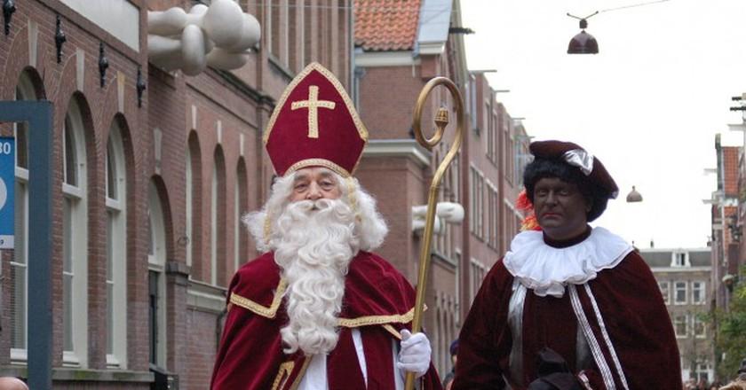 Sinterklaas and Zwarte Piet | © Michell Zappa/WikiCommons