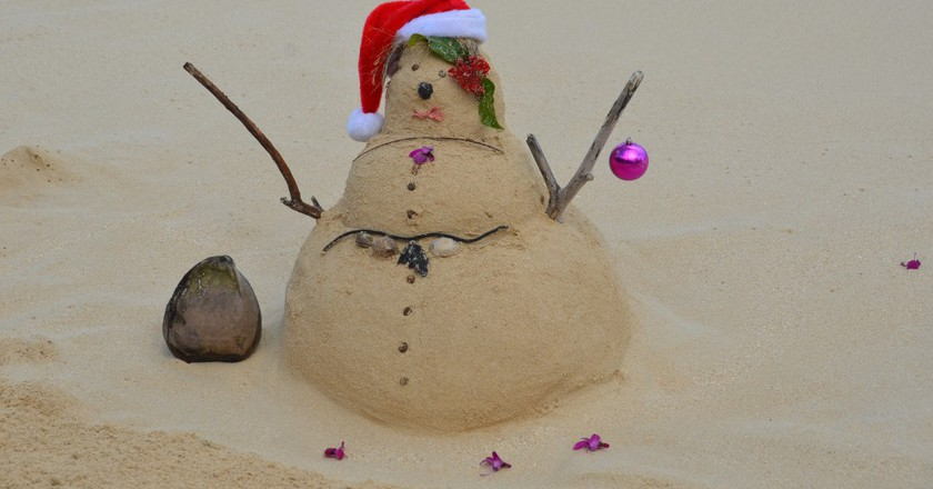 Beachsand Santa © Rob Bertholf/Flickr