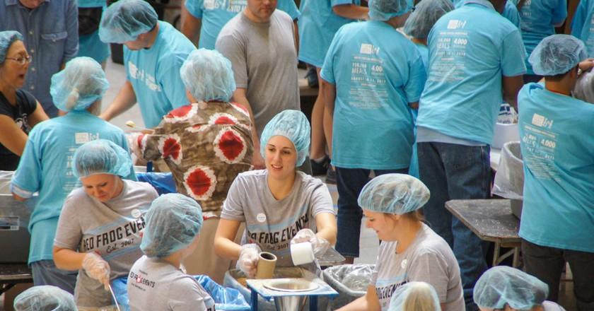 Chicago volunteers | © Feed My Starving Children/Flickr