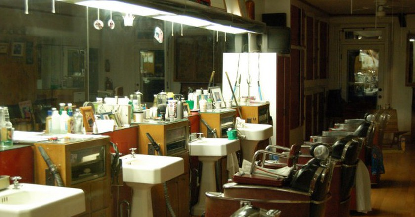 Barber shop © Carl Lender/Flickr