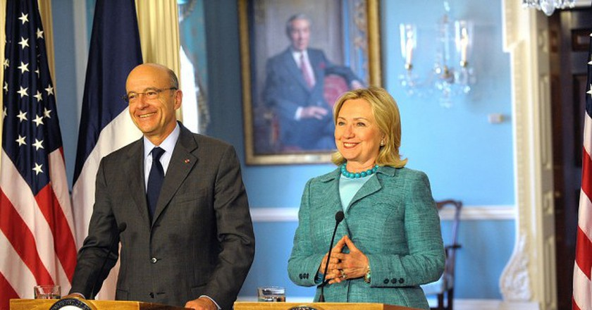 French Foreign Affairs Minister Alain Juppé and Secretary of State Hillary Clinton in Washington, D.C. in 2011 │© U.S. Department of State - Bureau of Public Affairs