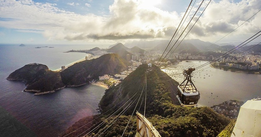 The view from the Sugarloaf mountain |© Tiago Caramuru/WikiCommons