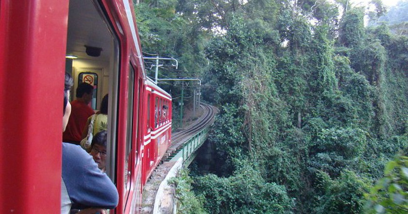 The train up Corcovado |© Rodrigo Soldon/WikiCommons