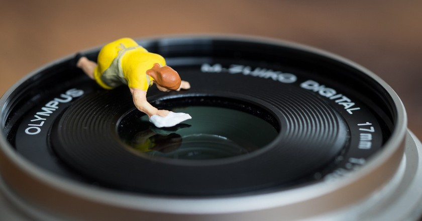 Lens cleaning ©  The Preiser Project / Flickr