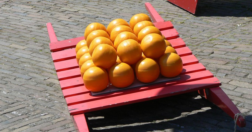 Balls of Edam cheese | © Michell Zappa/Flickr