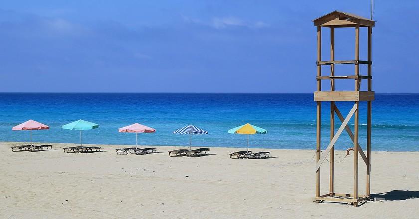 A beach in Crete  │© Anders Lejczak/Flickr
