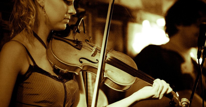 A young musician sets out to make it in Nashville | © Thomas Hawk / Flickr