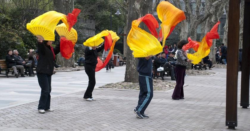 Park Dancing   © fakemidnightStudios/Flickr