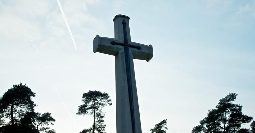 Cross | © Der Robert / Flickr