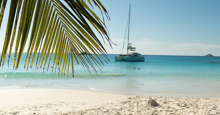 Charter your own catamaran | ©so seychelles / flickr