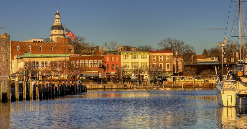 Sunrise at the City Dock in Ego Alley Annapolis, Maryland   © Charlie Stinchcomb / Flickr