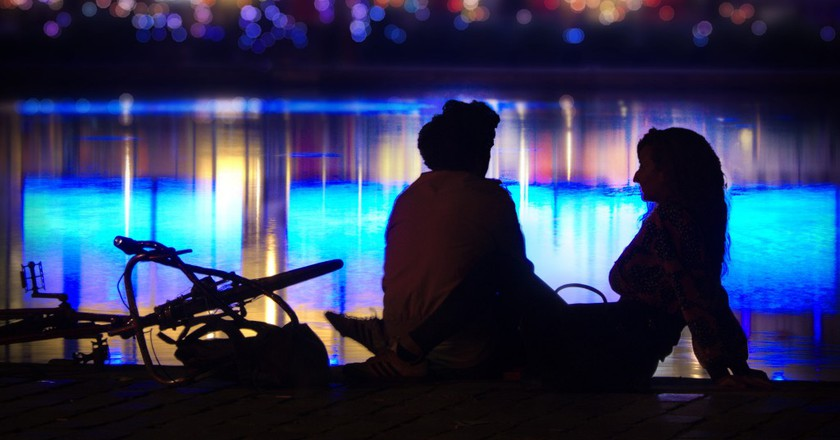 Lovers by the Bassin de la Villette │© Gael Varoquaux / Flickr
