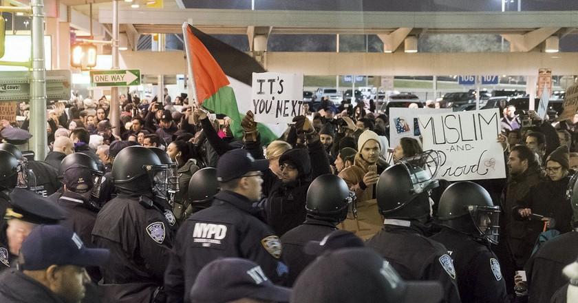 JFK Protest | © LuminaryTraveller/Flickr